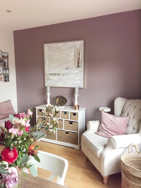 Пыльно розовый цвет в интерьере