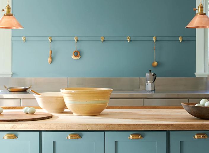 Эгейский бирюзовый в интерьере кухни