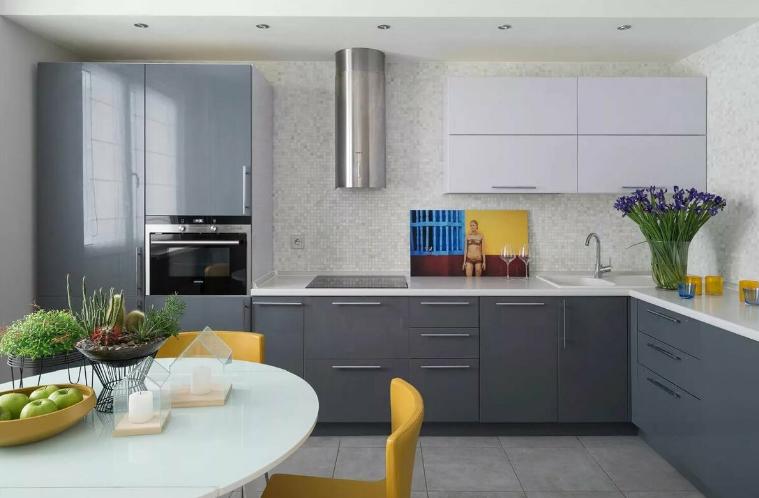 Интерьер серого цвета на кухне