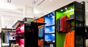 освещение магазина одежды