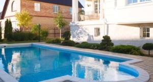 Качественный бассейн в загородном доме
